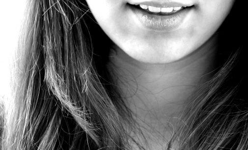 3 Oorzaken en oplossingen voor ontstoken tandvlees